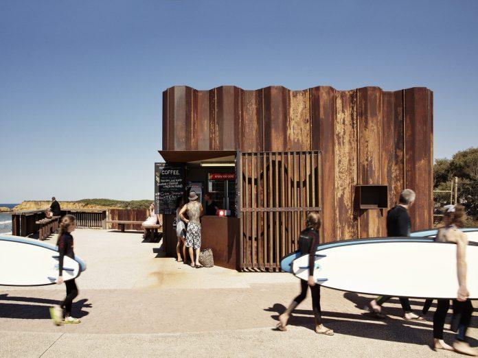 arquitetura de clubes e quiosques de praia
